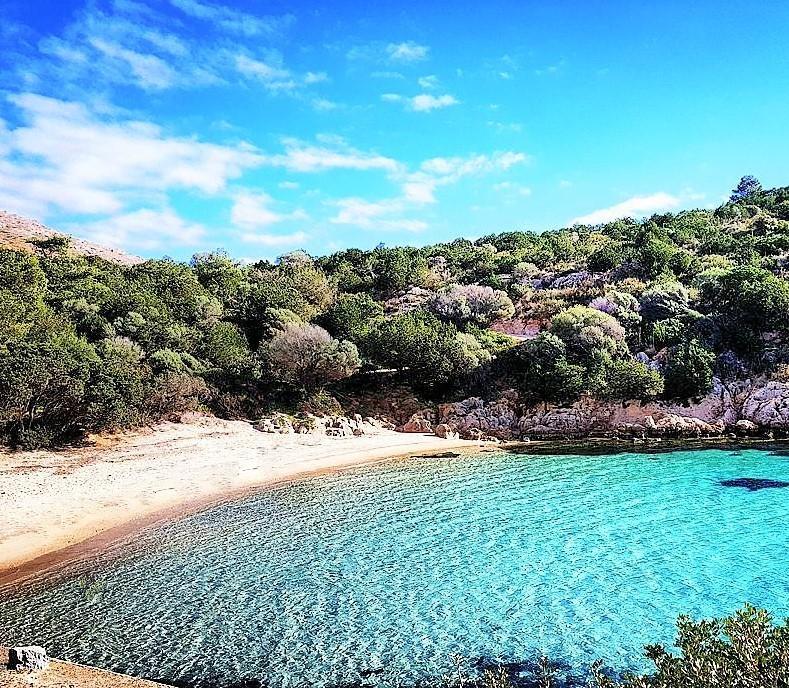 cala moresca beach sardinia sardegna mare sole